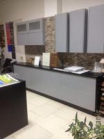 واگذاری دکوراسیون کابینت پارکت کاغذ دیواری ودکور نمایشگاه