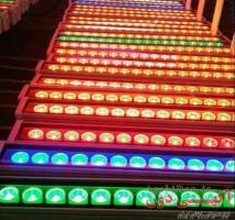 فروش چراغ و پروژکتورهای ال ای دی و اجرای نورپردازی نما